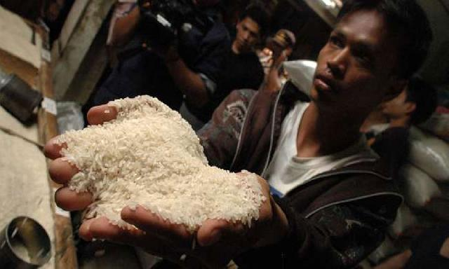 Beras Plastik Diduga Beredar di Riau