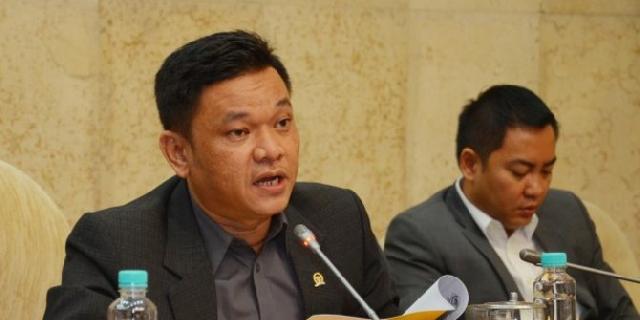 DPR: Kemenag Belum Serius Tangani Travel Umrah Bodong