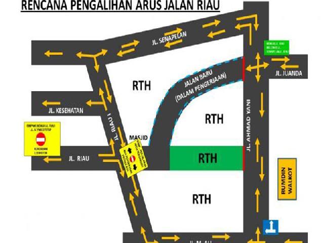 Persimpangan Ahmad Yani-Jalan Riau Ditutup