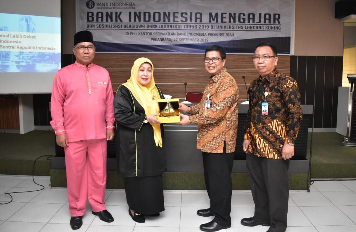 Tingkatkan Kualitas Perguruan Tinggi, Unilak MoU dengan BI Perwakilan Riau