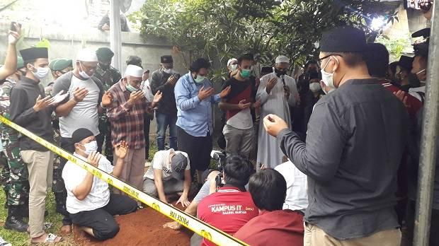Cerita Penggali Makam Syekh Ali Jaber: Senyumnya Manis