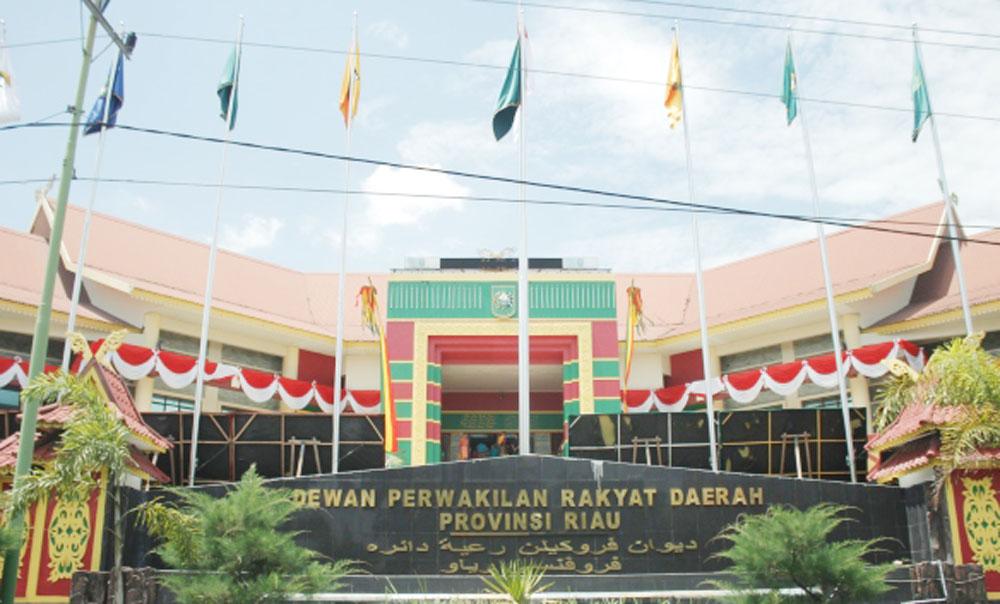 Izin ke Luar Negeri Anggota DPRD Riau Belum Dikeluarkan Mendagri