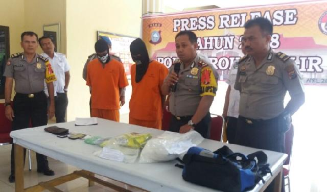 Pengungkapan 3 Kg Sabu dan 2018 Butir Ekstasi di Jalan Lintas Riau - Sumut