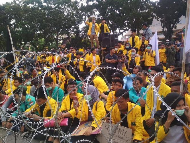 Mahasiwa Desak Jokowi Secepatnya Terbitkan Perpu KPK