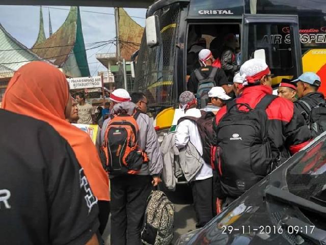 MPR: Peserta Aksi 212 dari Daerah Sengaja Dihalangi Polisi