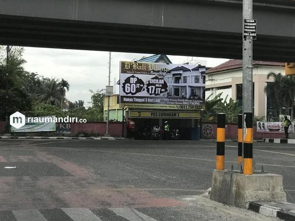Reklame Ilegal di Pos Polisi Pekanbaru Kembali Tayangkan Iklan, Ini Kata Legislator