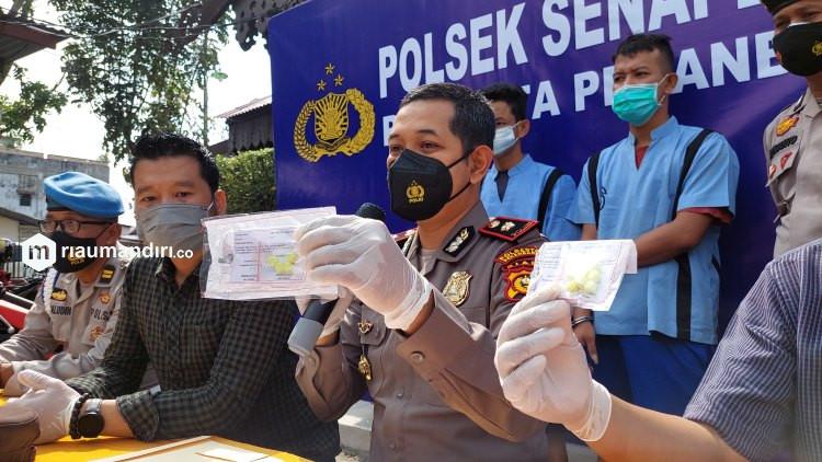 Polisi Sita Ekstasi Bentuk Baru dari Dua Pengedar di Pekanbaru