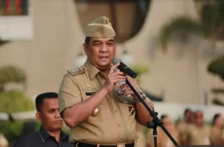 Meski Panen Penolakan, Wagubri Tetap Lantik Pengurus FKUB Riau