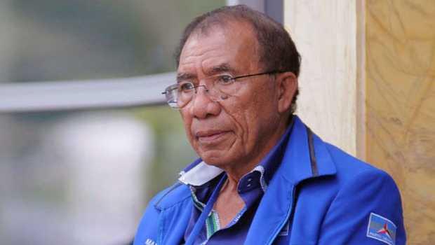 Sandingkan AHY dengan Airlangga, Max Sopacua: Ambisi Berlebihan untuk Masuk Istana