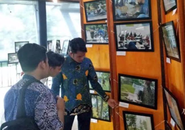 Student Photography Exhibition Fikom Uir Pamerkan Ratusan Foto Riaumandiri Co