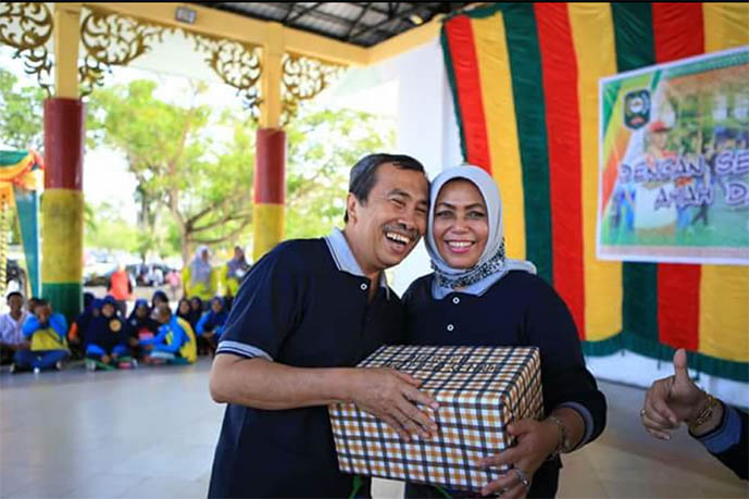 Positif Covid-19, Gubernur Riau dan Istri Dilarikan ke Rumah Sakit