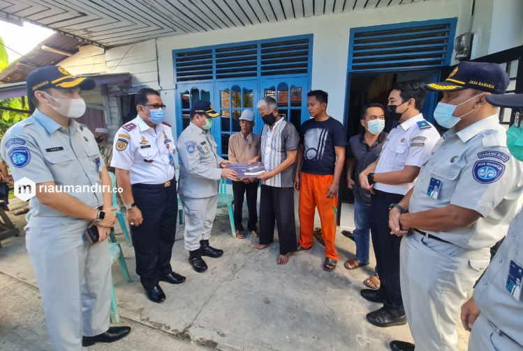 Jasa Raharja Riau Serahkan Santunan Kepada Ahli Waris Korban Sriwijaya Air Asal Pekanbaru
