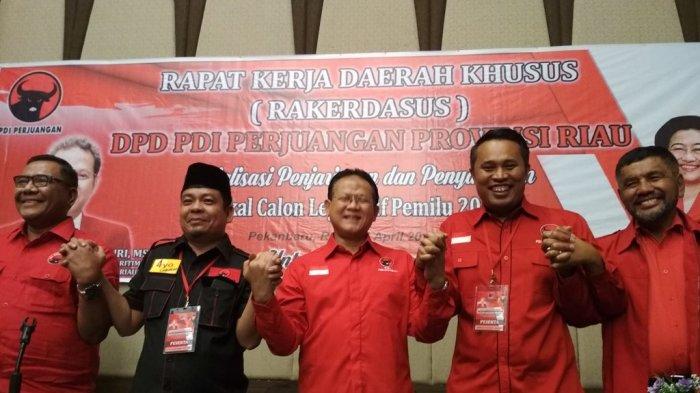 Rokhmin Dahuri Jabat Ketua DPD PDIP Riau Definitif