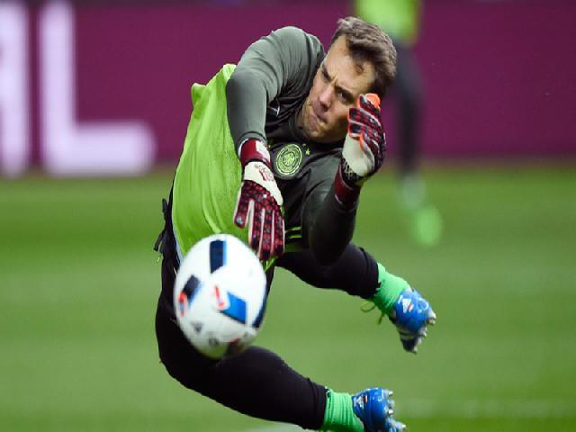 Manuel Neuer Siap Lanjutkan Tugas Lahm Dan Schweini