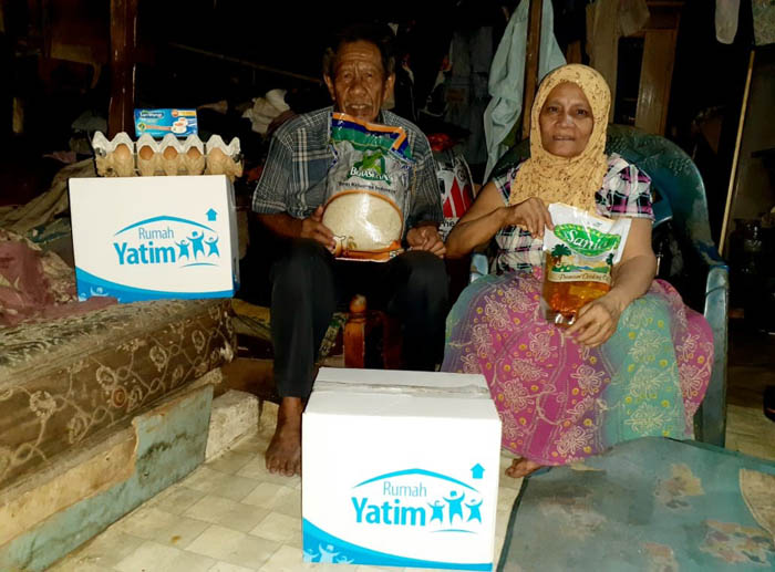 Rumahnya Sering Bocor di Kala Hujan, Marno dan Keluarga Bersyukur Dapat Bantuan Rumah Yatim Riau