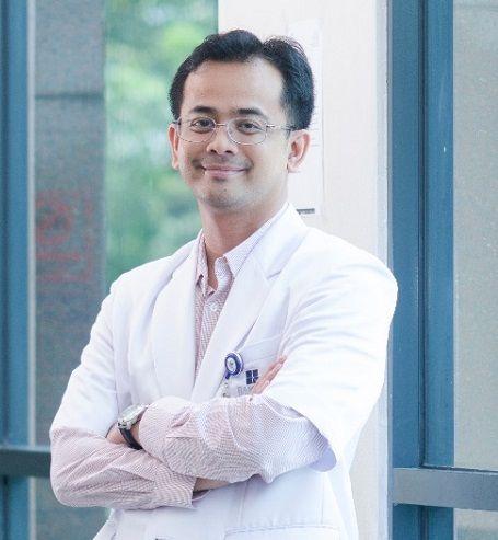 Wafat Setelah Tertular Corona dari Pasien, Dokter Hadio Sempat Pamitan ke Anak-Istri dari Pagar