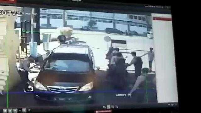 BREAKING NEWS: Bom Meledak di Pos Pemeriksaan Polrestabes Surabaya
