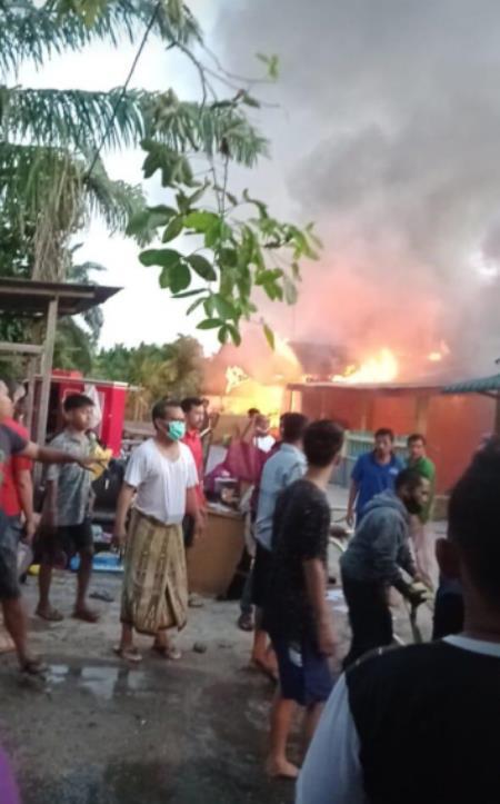 Satu Orang Tewas Dalam Kebakaran Di Perawang Sore Ini Riaumandiri Co