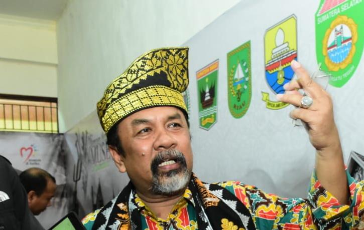 Fokus Jadi Kadis Kebudayaan Riau, Yoserizal Mundur Sebagai Ketum DKR