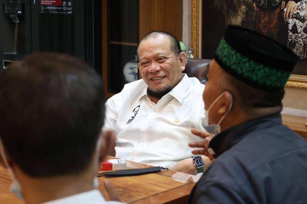 Ketua DPD RI Ingatkan Para Kades: Jangan Main-main Kelola Dana Desa