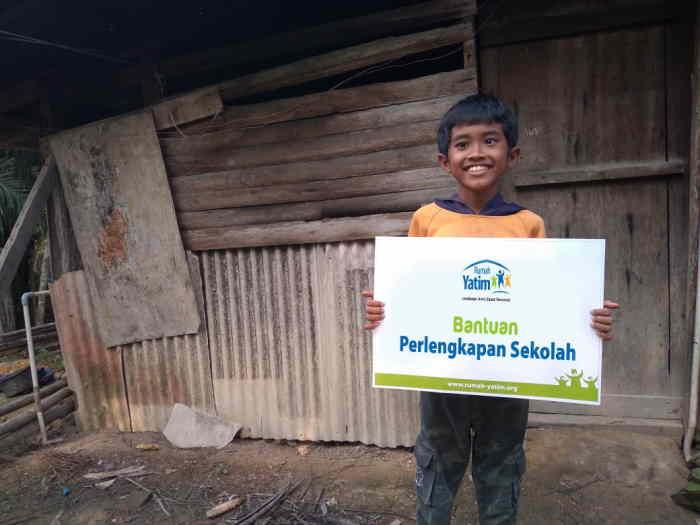 Bercita-Cita Jadi Anggota TNI, Syaiful Terima Bantuan dari Rumah Yatim Riau