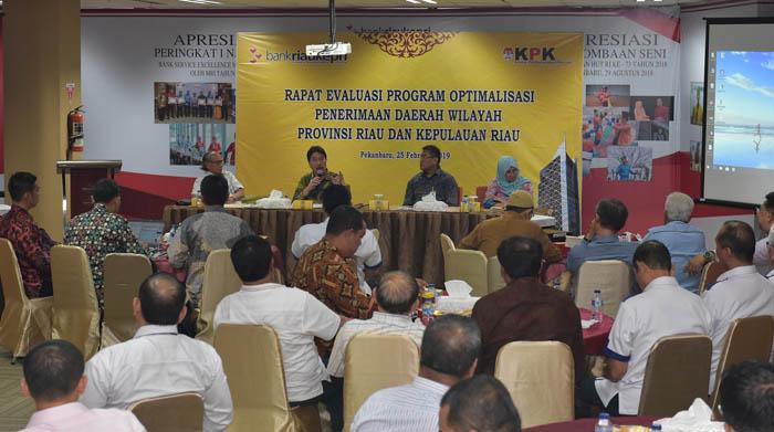 KPK Kumpulkan Seluruh Direksi dan Komisaris BUMD Provinsi Riau di Bank Riau Kepri
