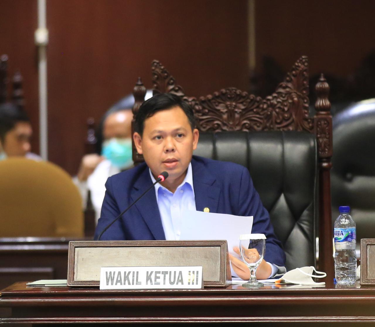 Tangani Pandemi Covid-19, Sultan Minta Jokowi Libatkan Siti Fadilah dan Terawan