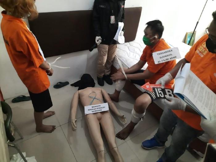 Kisah Mengerikan Sepasang Sejoli Tidur Bareng Jenazah Korban Mutilasi Rinaldi