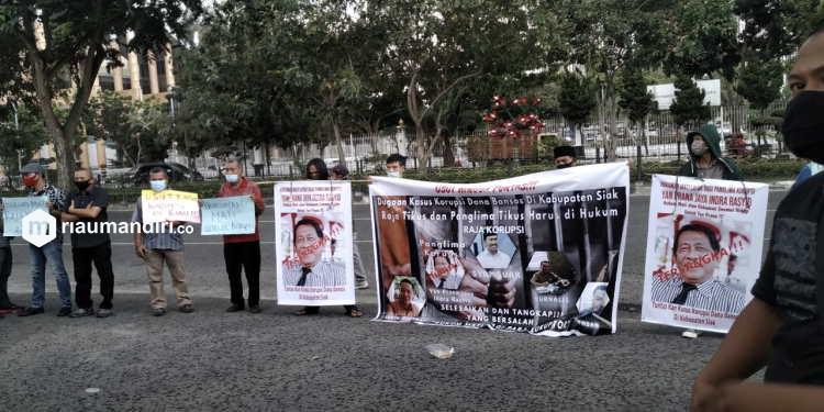 Dituding Terlibat Korupsi di Siak, Kejati Diminta Periksa Syamsuar