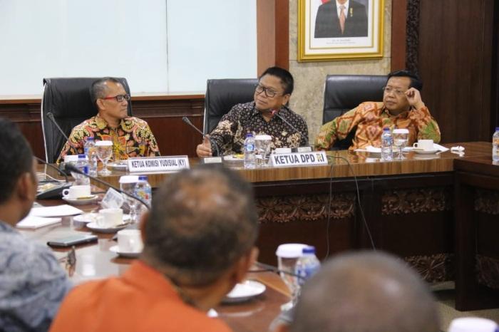 DPD RI Bersama KY dan APHA Bahas Eksistensi Hukum Adat