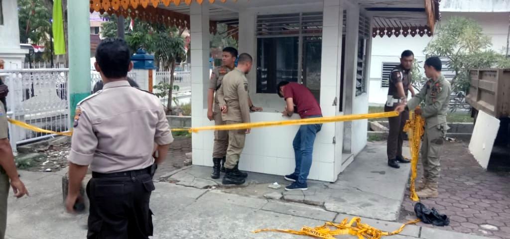 Terdengar Ledakan, Pos Jaga Satpol PP di Kantor Lama Wali Kota Pekanbaru Dimolotov OTK