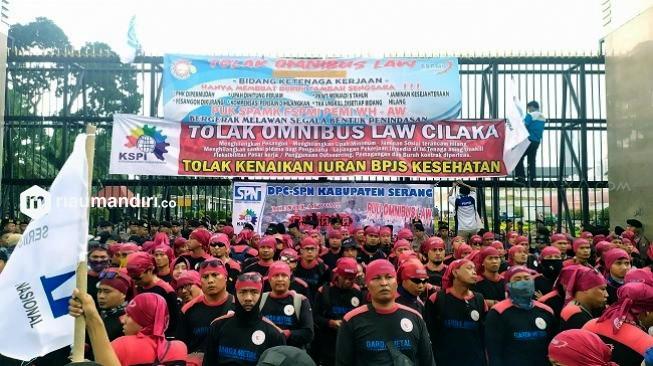 50 Ribu Buruh di 24 Provinsi Unjuk Rasa Tuntut THR hingga Kenaikan Upah
