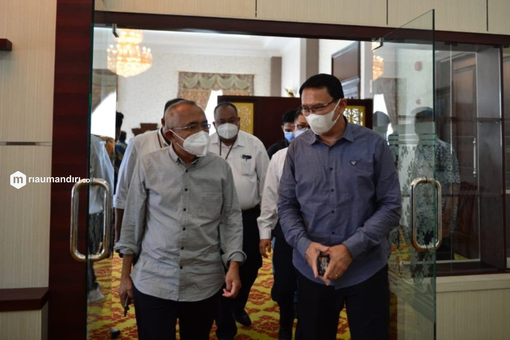 Andi Rachman Minta Bantuan Ahok Tambah Kuota Vaksin bagi Riau