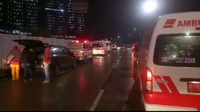 Heboh Video Ambulans Antri Panjang di Depan RSD Wisma Atlet, Ini Penjelasannya
