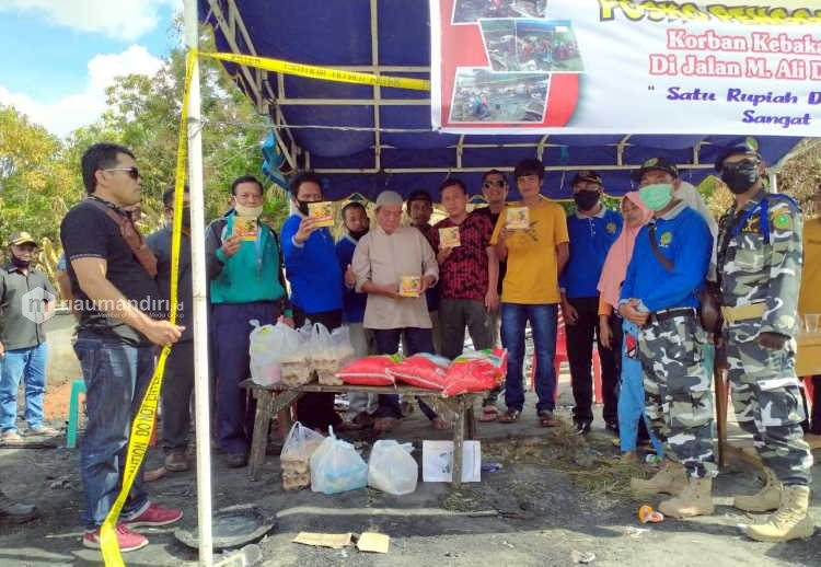 Panglimo LBLK Berikan Bantuan untuk Korban Kebakaran di Perawang
