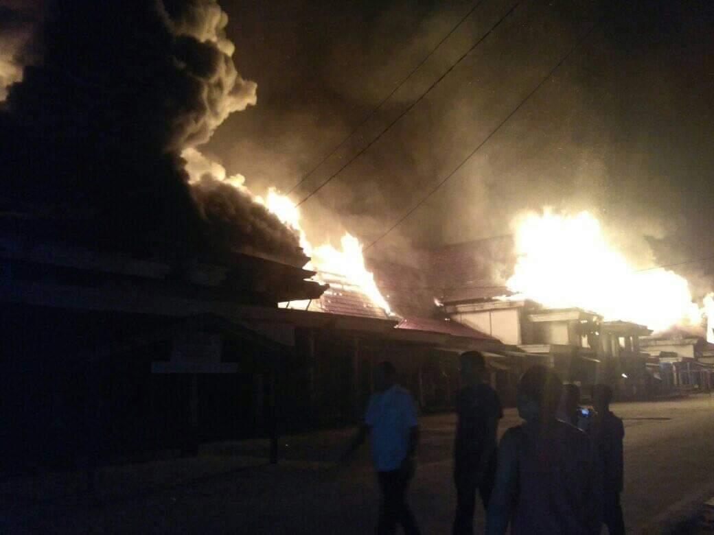 Pasar Sungai Salak Inhil Terbakar, Ratusan Kios Ludes