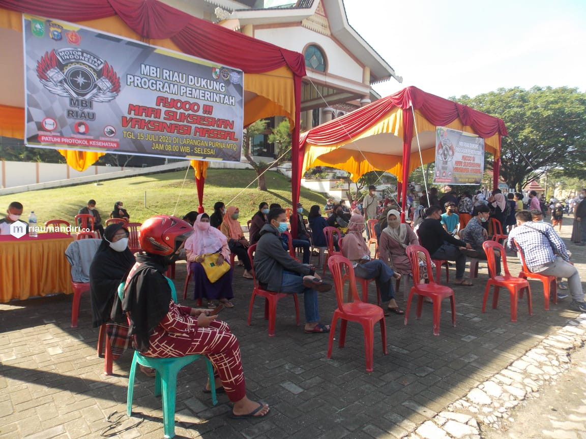 MBI Riau Taja Vaksinasi Massal, Masyarakat Kota Pekanbaru Antusias