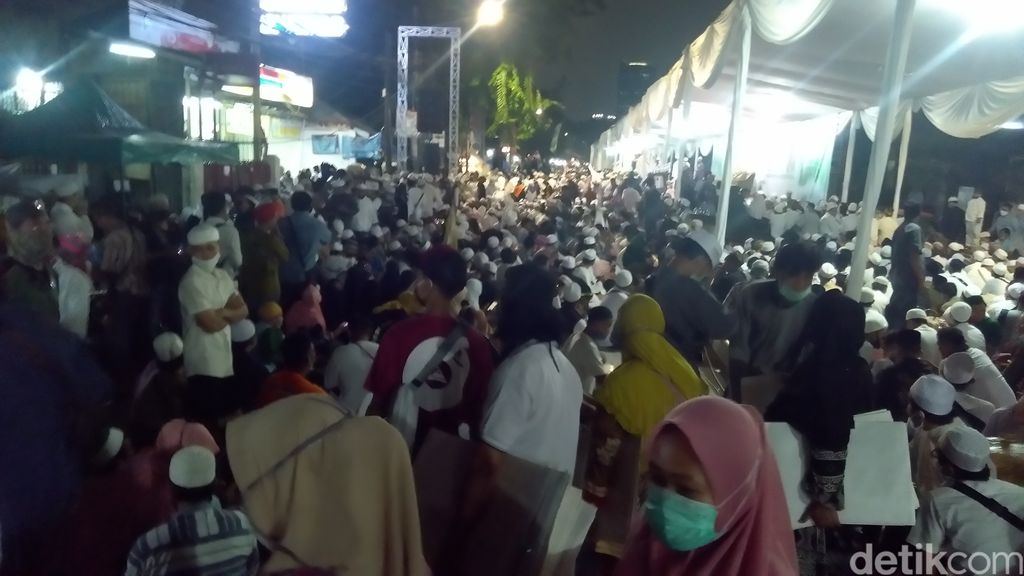 Akibat Berkerumun di Acara Habib Rizieq, Puluhan Orang Positif Corona