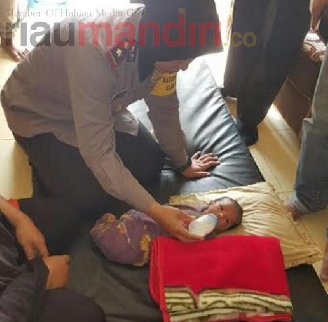 Bayi Malang Ini Sengaja Dibuang Kedua Orang Tuanya