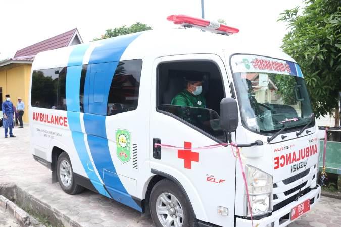 Kampung Belutu Terima Ambulans dari Pemkab Siak