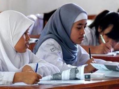 Program Wajib Belajar 12 Tahun di Riau Terancam Tak Tercapai, 3.377 Siswa SMA/SMK Putus Sekolah di 2