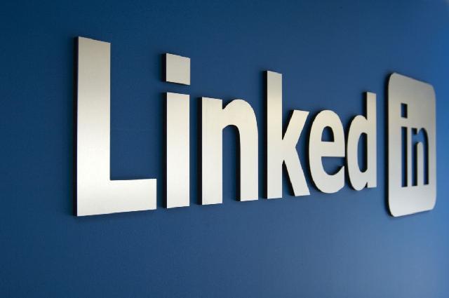 Tak Penuhi Aturan, Rusia Blokir Situs LinkedIn