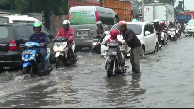 Sejak Kamis 4 Kecamatan di Jakarta Masih Terendam Air
