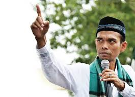 UAS Ajak Pendukung Akhyar-Salman Tahajud hingga Hari Pencoblosan