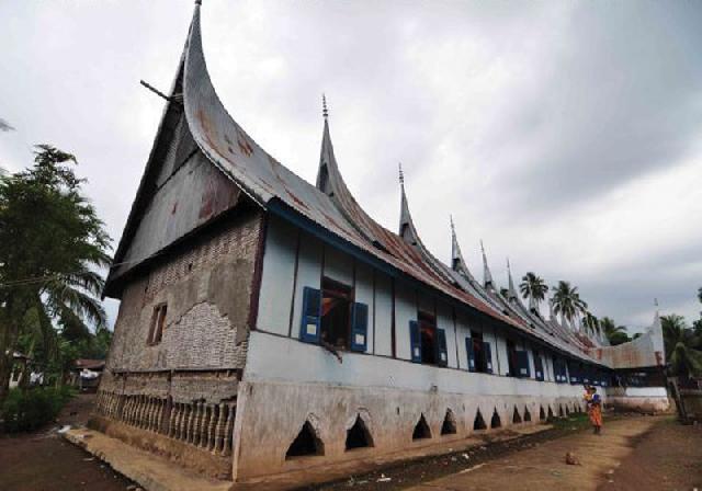 Rumah Gadang Panjang  akan Dicatat di MURI