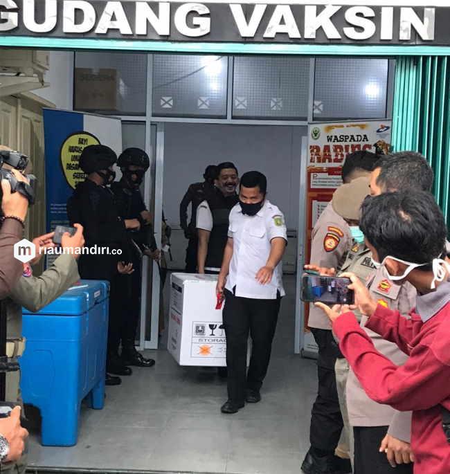 Riau Distribusikan Vaksin Covid-19 Tahap I ke Pekanbaru, Kampar dan Pelalawan