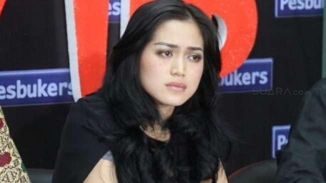 Jessica Iskandar Emosi dengan Penyakitnya: Ingin Pergi Sebentar