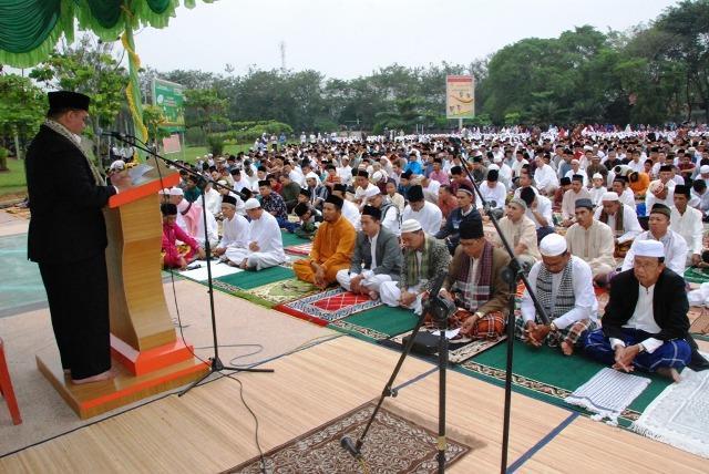 Ribuan Masyarakat Inhu Shalat Idul Adha di Halaman Kantor Bupati