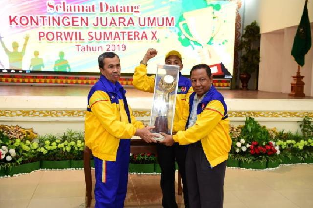 Riau Pertahankan Gelar Juara Umum Porwil Sumatera