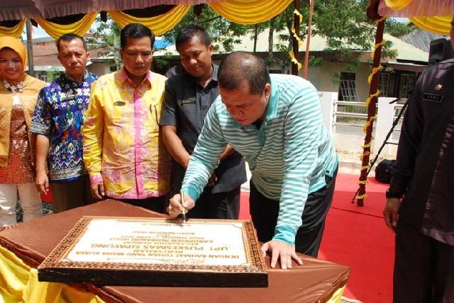 Bupati H Yopi Arianto Resmikan  Gedung Puskesmas Sipayung